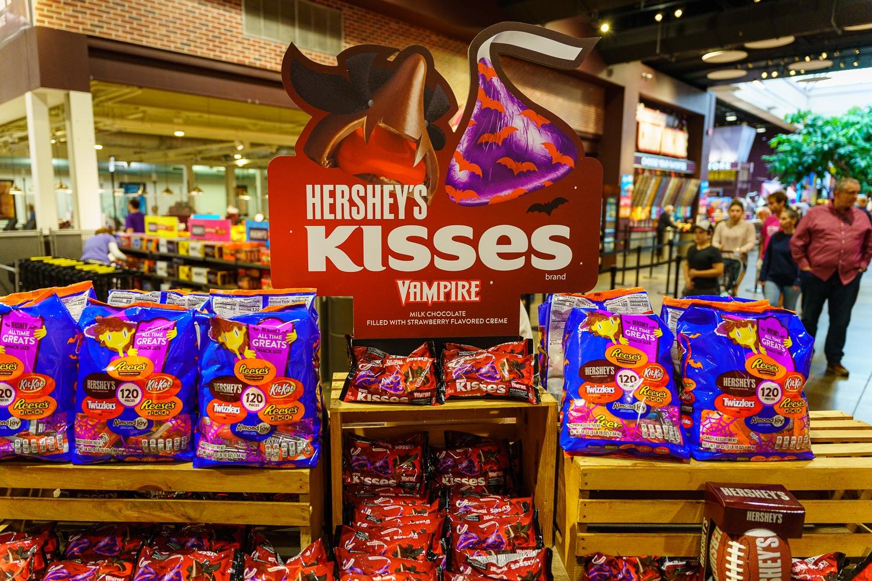 Hershey Kisses Vampire Camdy